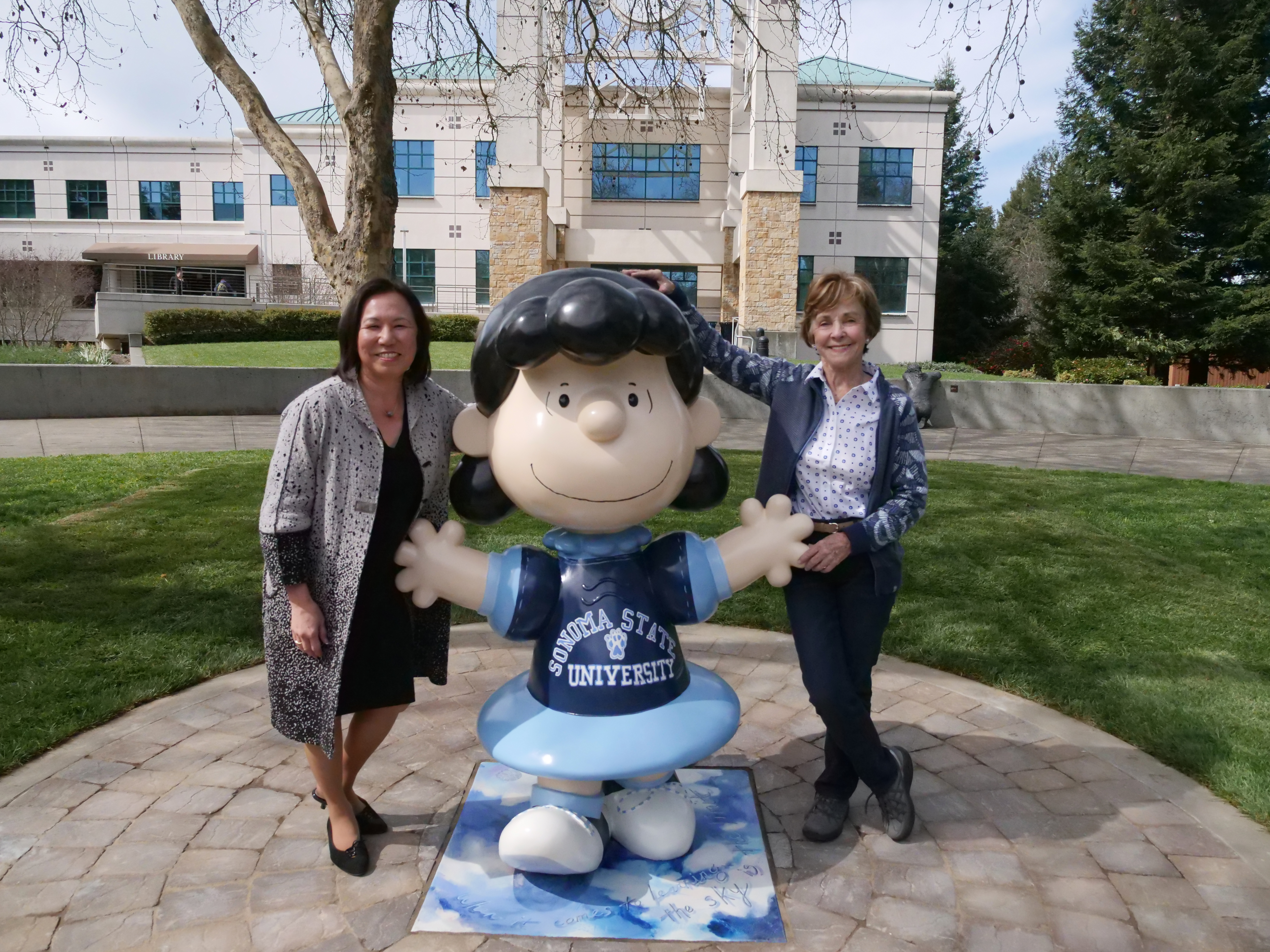 Peanuts' character Lucy statue unveiled at Sonoma State