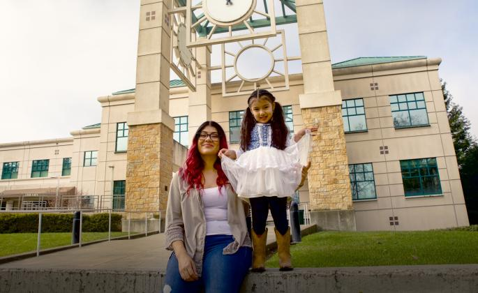 lucero alvarez vieyra with her daughter mia